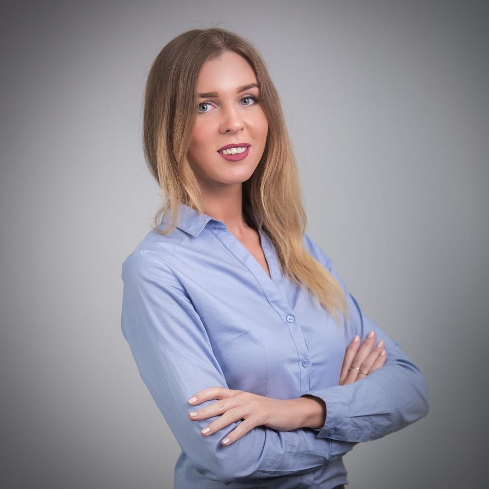 Елена Оксамит